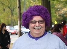 Peluca púrpura para nuestro equipo epilepsia